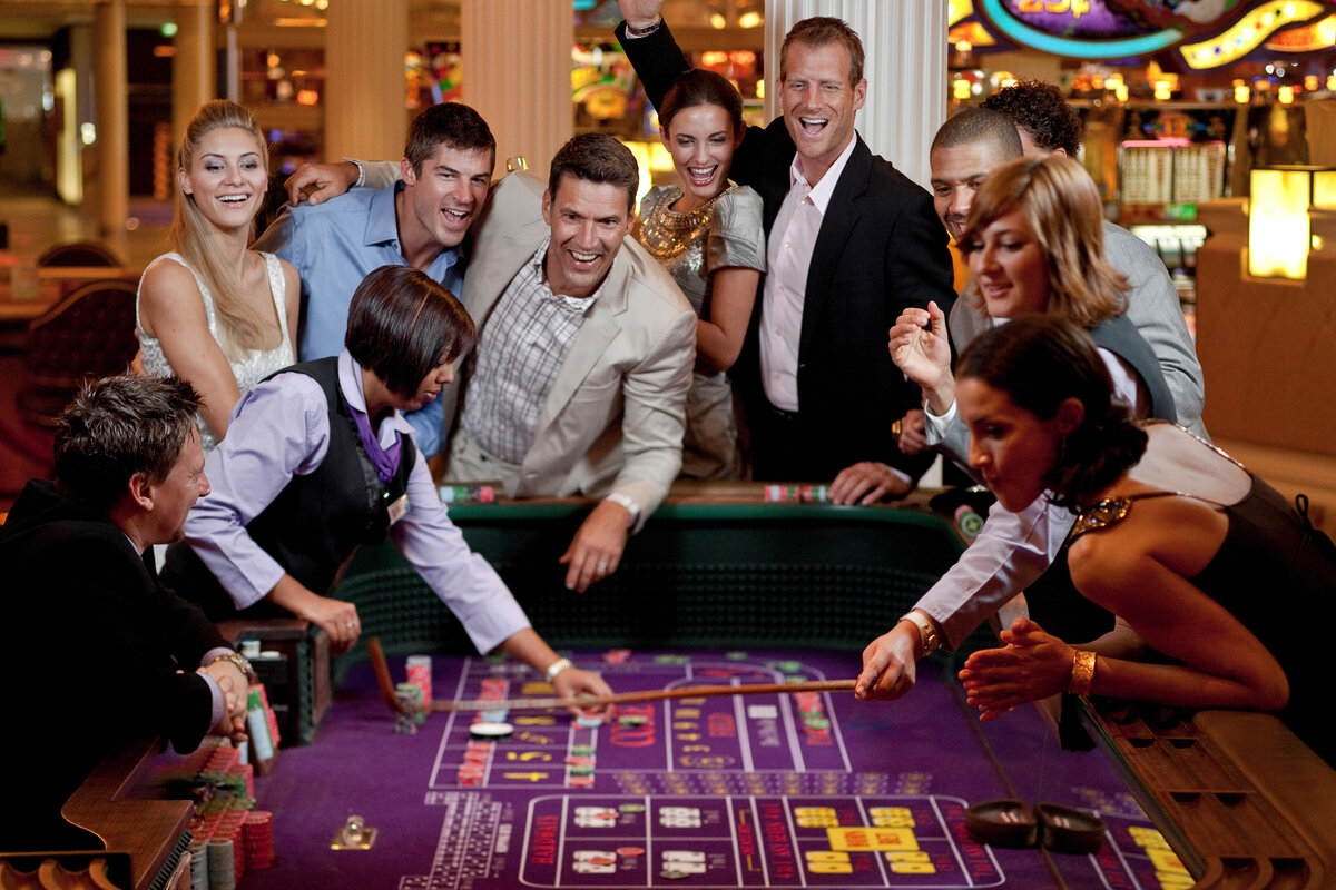guys playing roulette